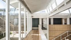 Átrio e Escola de Música Herschel / KLG Architects