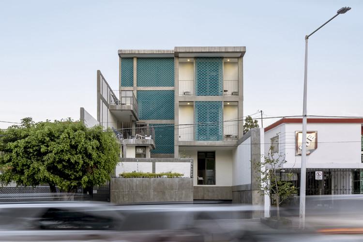 Suites Unión / FORMAtaller + Departamento de Arquitectura, © César Béjar