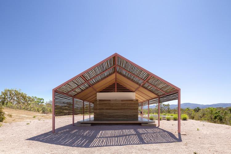 Casas brasileiras: 25 residências que empregam estratégias de ventilação natural, Casa Cavalcante / BLOCO Arquitetos. Imagem: © Joana França