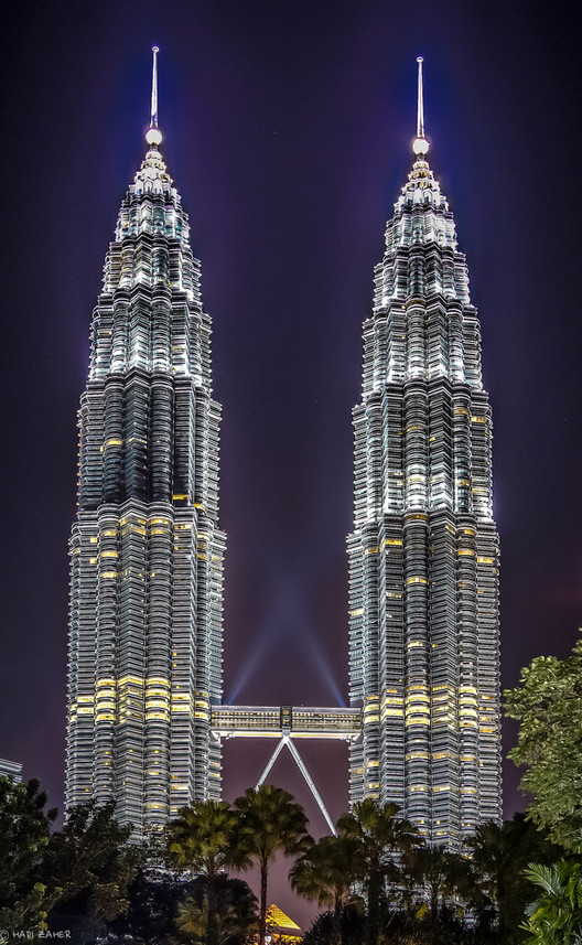 Petronus Towers in Kuala Lumpur, Malaysia. Image © Flickr User Hadi Zaher Licensed Under CC BY 2.0