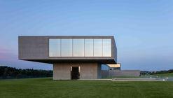 Casa FUTAGO / Sergey Makhno Architects