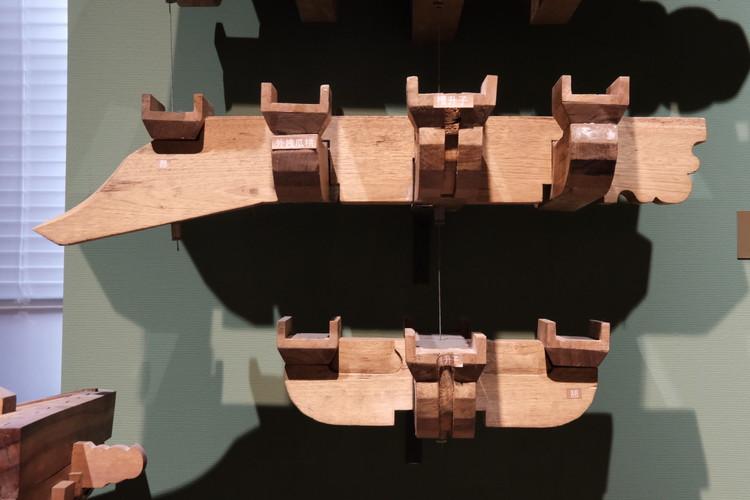 Scale models of Dougong. Image © Han Shuang