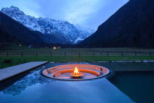 Incorporating Fire in External Projects: Tips and Examples for Fireplaces