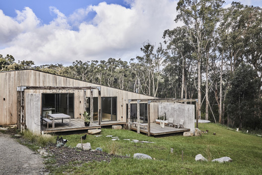 Red Hill House / InForm