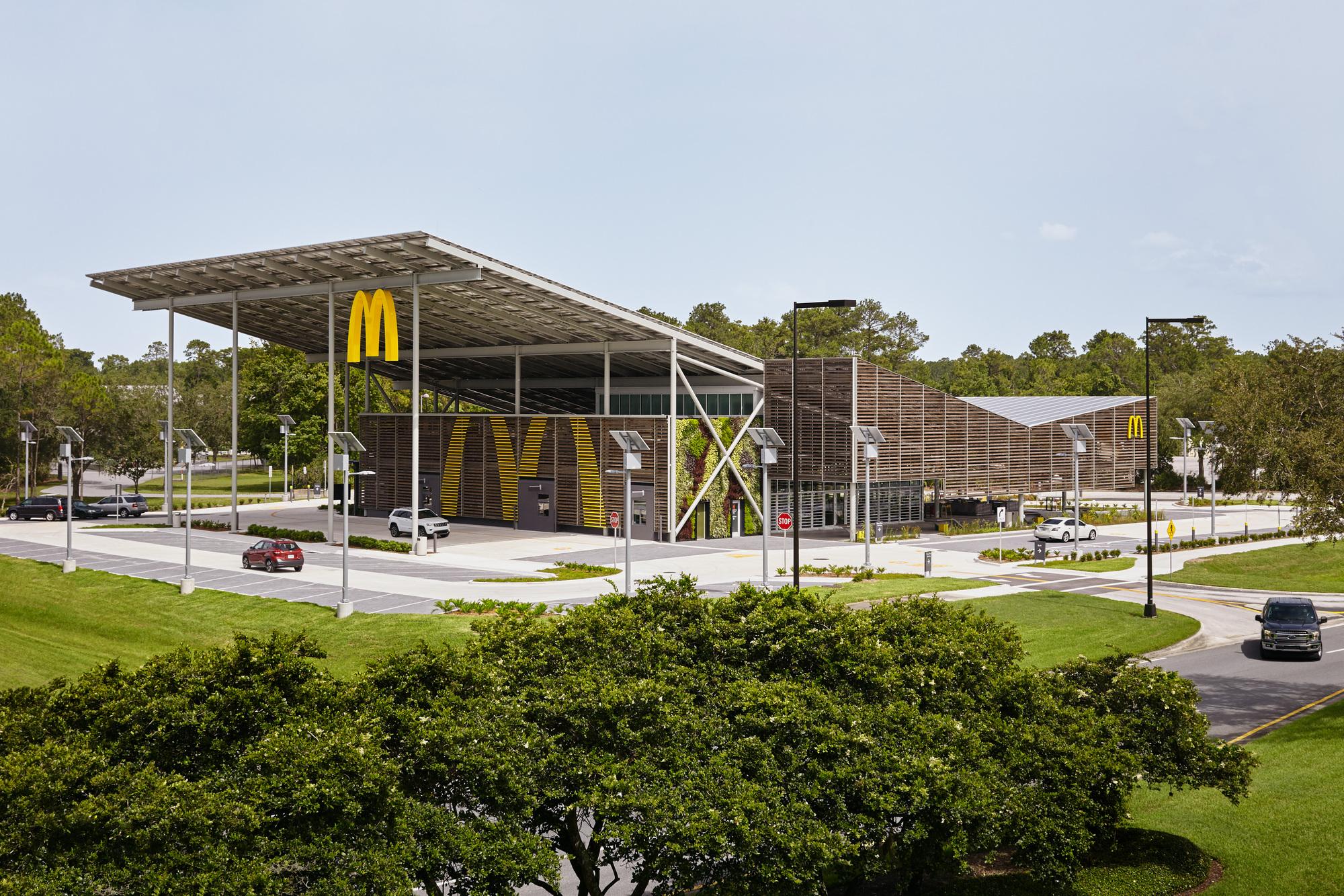 McDonald's Global Flagship at Walt Disney World Resort / Ross Barney Architects