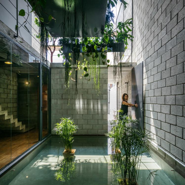 Casa Mipibu / Terra e Tuma Arquitetos Associados. Imagem © Nelson Kon