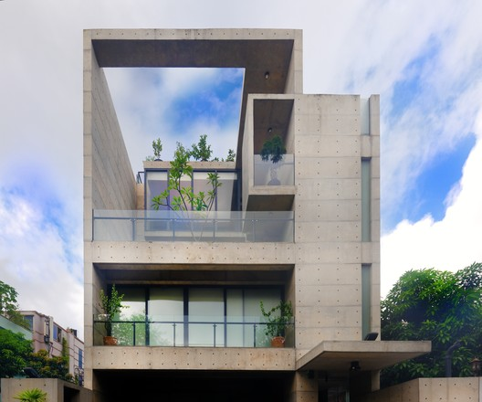 Shakur Residence / A Cube Limited
