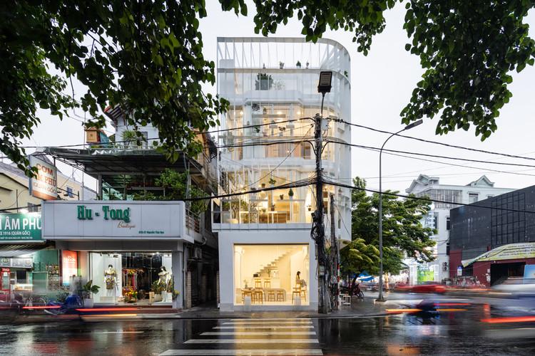 Tiam Coffee Shop & Home / Nguyen Khai Architects & Associates, © Quang Dam