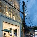 a 42 - Coffee Shop & Home: Nhà lô góc phố 2 mặt tiền đẹp nổi bật khu phố