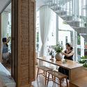 a 92 - Coffee Shop & Home: Nhà lô góc phố 2 mặt tiền đẹp nổi bật khu phố