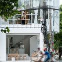 a 108  featured image  - Coffee Shop & Home: Nhà lô góc phố 2 mặt tiền đẹp nổi bật khu phố