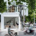 a 109 - Coffee Shop & Home: Nhà lô góc phố 2 mặt tiền đẹp nổi bật khu phố