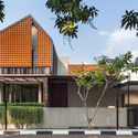 Well of Light 1 - Well of Light House: Ngôi nhà được làm mát bằng cách tối ưu ánh sáng không khí qua khối xây dựng, mặt tiền, vật liệu