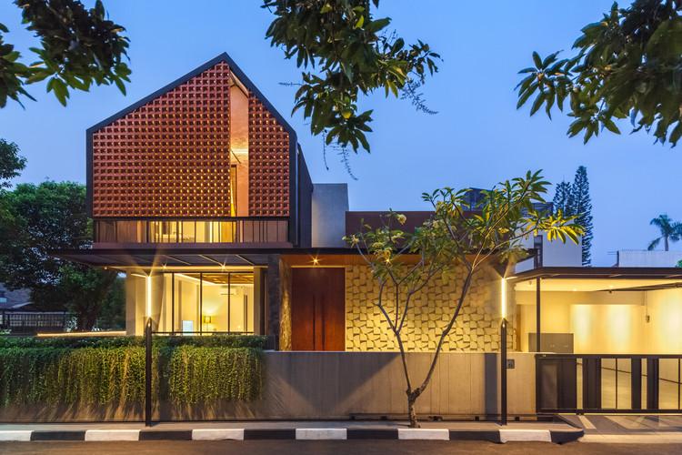 Well of Light 2 - Well of Light House: Ngôi nhà được làm mát bằng cách tối ưu ánh sáng không khí qua khối xây dựng, mặt tiền, vật liệu