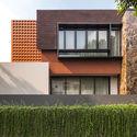 Well of Light 6 - Well of Light House: Ngôi nhà được làm mát bằng cách tối ưu ánh sáng không khí qua khối xây dựng, mặt tiền, vật liệu
