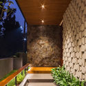 Well of Light 9 - Well of Light House: Ngôi nhà được làm mát bằng cách tối ưu ánh sáng không khí qua khối xây dựng, mặt tiền, vật liệu
