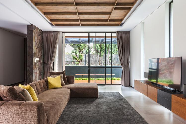 Well of Light 11 - Well of Light House: Ngôi nhà được làm mát bằng cách tối ưu ánh sáng không khí qua khối xây dựng, mặt tiền, vật liệu