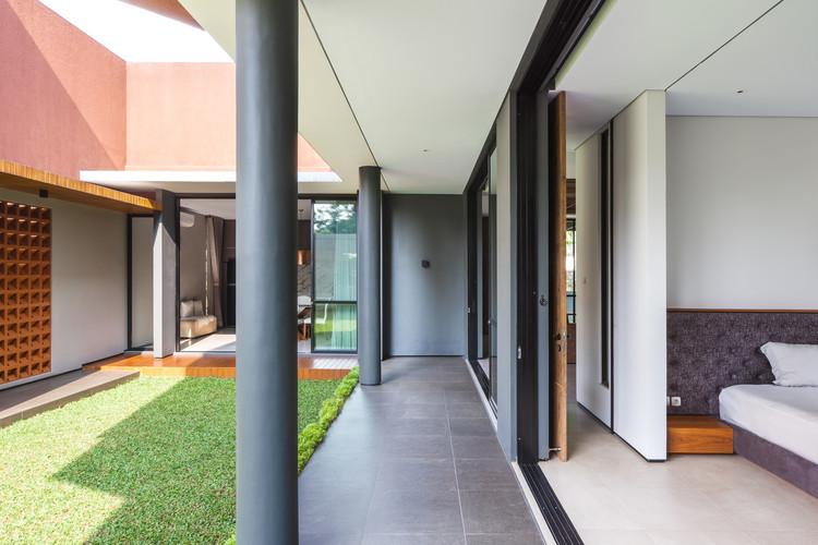 Well of Light 13 - Well of Light House: Ngôi nhà được làm mát bằng cách tối ưu ánh sáng không khí qua khối xây dựng, mặt tiền, vật liệu