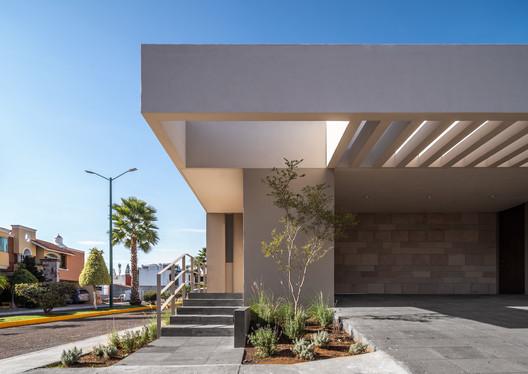 Casa BRT / Toru Arquitectos