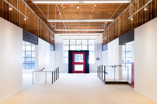 Belltown Collective Office Space / Robert Hutchison Architect