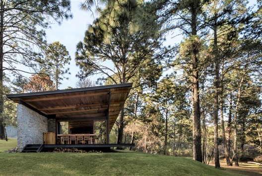 Casa Valle Abierto / RAVSTUDIO
