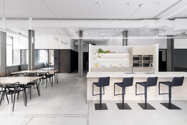 Dialogue Head Office / Blanchette Architectes, © Atelier Welldone