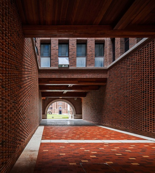 details of red bricks. Image © Qiang Zhao