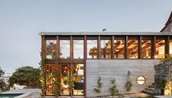 Casa Golgota / Floret