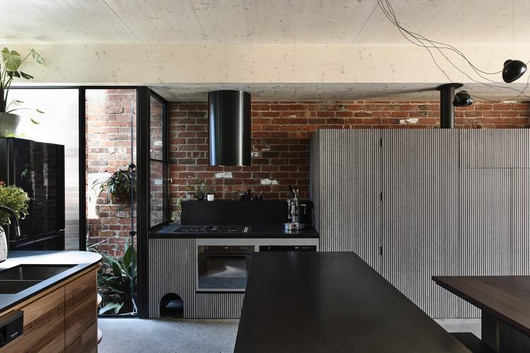 AMA Union0363 - Union House: Ngôi nhà mới nhiều tầng, vui tươi