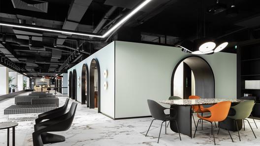 SSAB Flagship Store / Bogdan Ciocodeica Studio