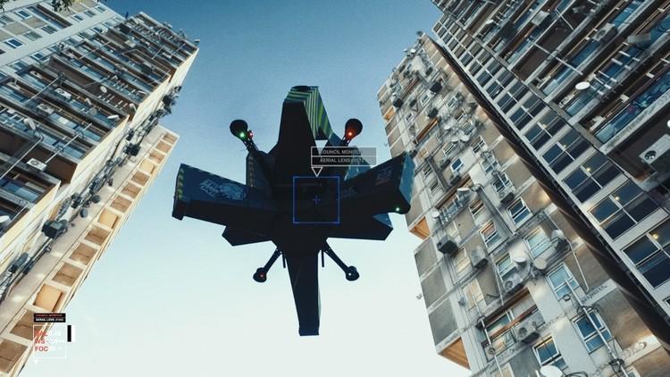 Más allá de la escala humana: diseño para ecosistemas, migraciones y máquinas, En los cielos de robots. Imagen cortesía de Liam Young