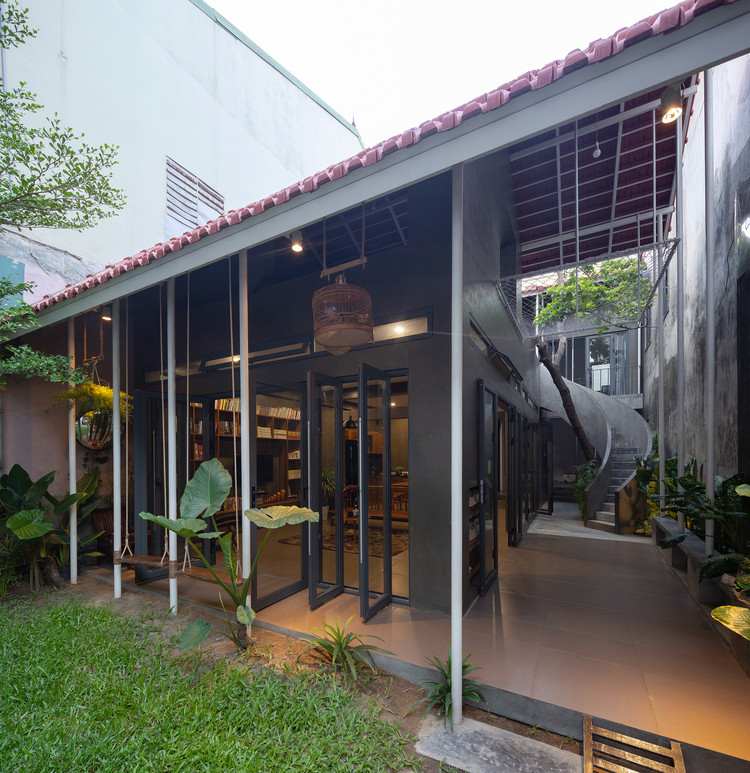 Coong's Garden House / Nguyen Khac Phuoc Architects , © Trieu Chien