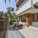 07 - The Box House: Ngôi nhà với những mảng xanh đồng bộ với thiên nhiên