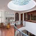 1 - L House: Nhà của vợ chồng trẻ và 2 con nhỏ nhiều ánh sáng, hiện đại đẹp