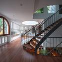 2 - L House: Nhà của vợ chồng trẻ và 2 con nhỏ nhiều ánh sáng, hiện đại đẹp