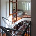 13 - L House: Nhà của vợ chồng trẻ và 2 con nhỏ nhiều ánh sáng, hiện đại đẹp