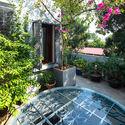20 - L House: Nhà của vợ chồng trẻ và 2 con nhỏ nhiều ánh sáng, hiện đại đẹp