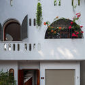 21 - L House: Nhà của vợ chồng trẻ và 2 con nhỏ nhiều ánh sáng, hiện đại đẹp