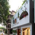 FI - L House: Nhà của vợ chồng trẻ và 2 con nhỏ nhiều ánh sáng, hiện đại đẹp