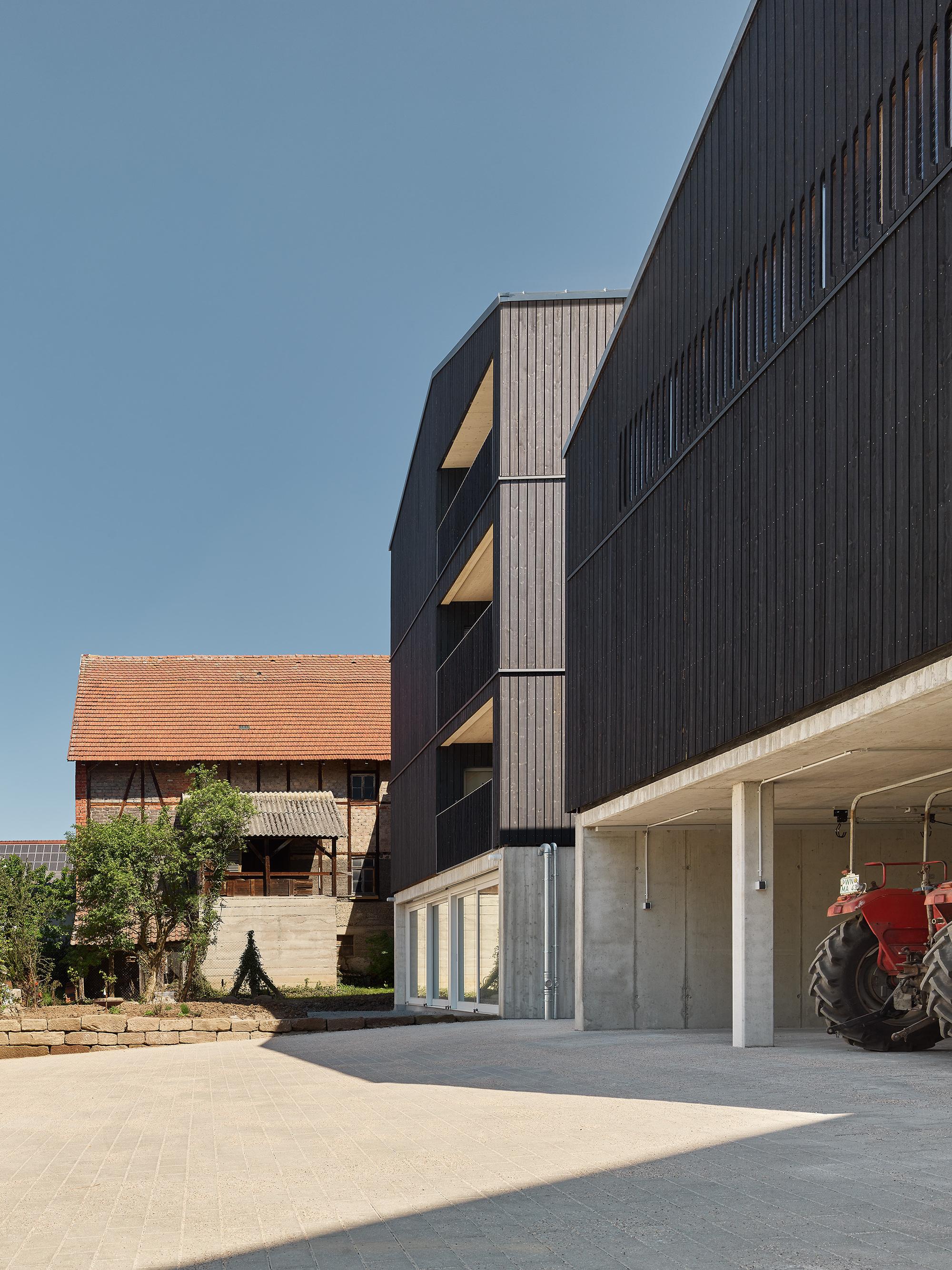Gallery of Housing and Workshop Weilerstraße / schleicher ragaller architects