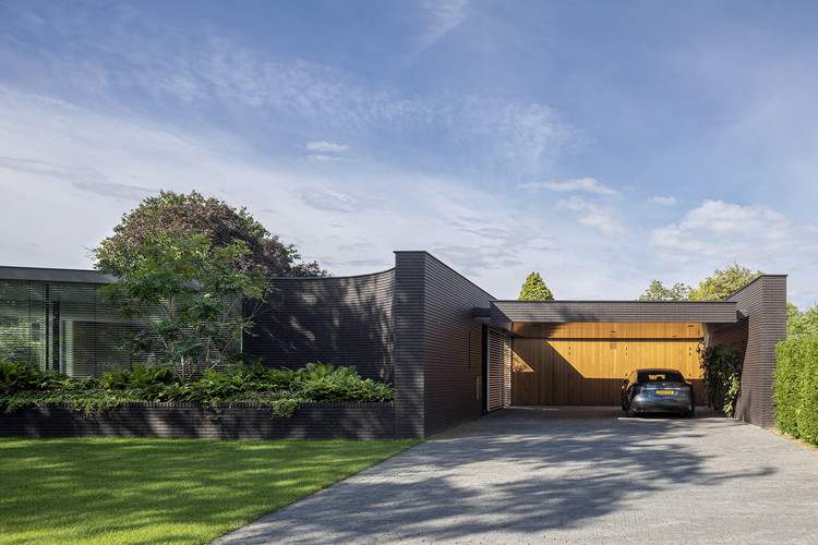 Outside In House / i29 + Bedaux de Brouwer Architects, © i29 / Ewout Huibers