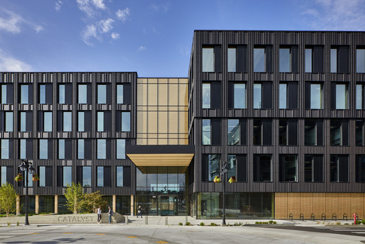 Catalyst Building  / Michael Green Architecture