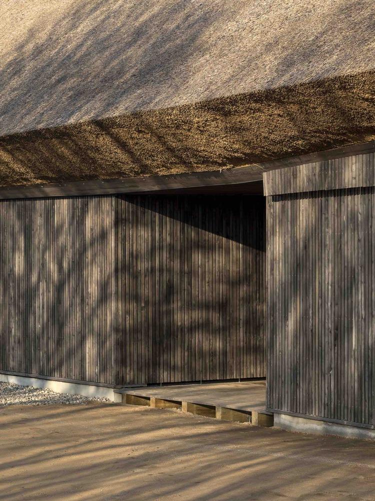 Arquitectura y Naturaleza: Un marco para la construcción en el paisaje,Centro del mar de Wadden por Dorte Mandrup Architects. Imagen © Adam Mørk