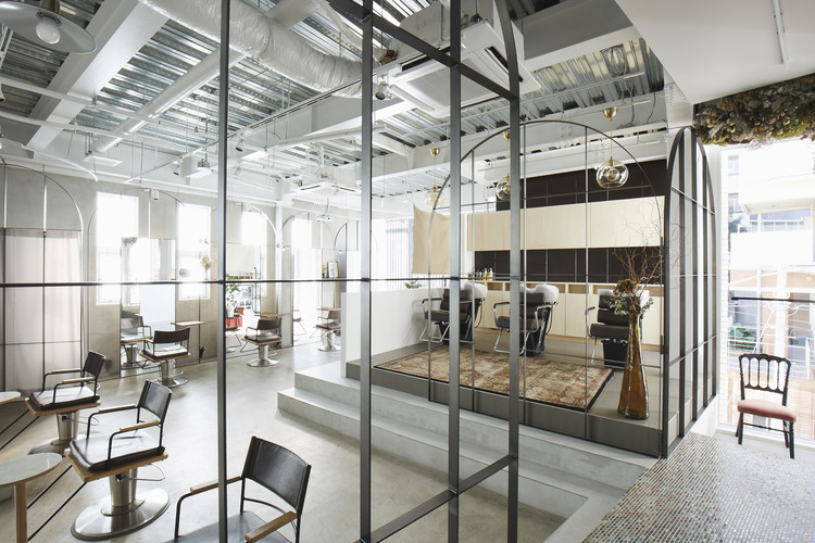Beauty Salon in Harajuku / nanometer architecture, © Koji Tsuchiya