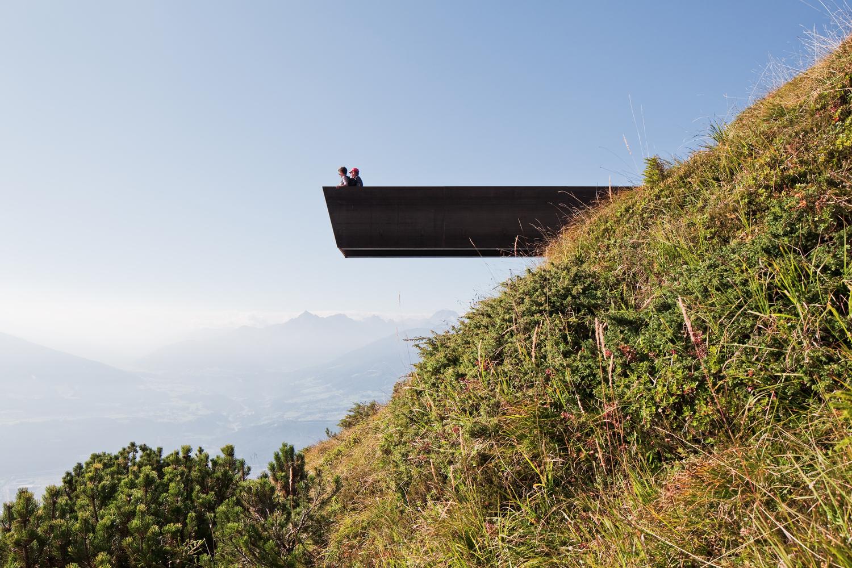 Arquitectura y Naturaleza: Un marco para la construcción en el paisaje,Path of Perspectives Panorama Trail por Snohetta. Imagen © Christian Flatscher