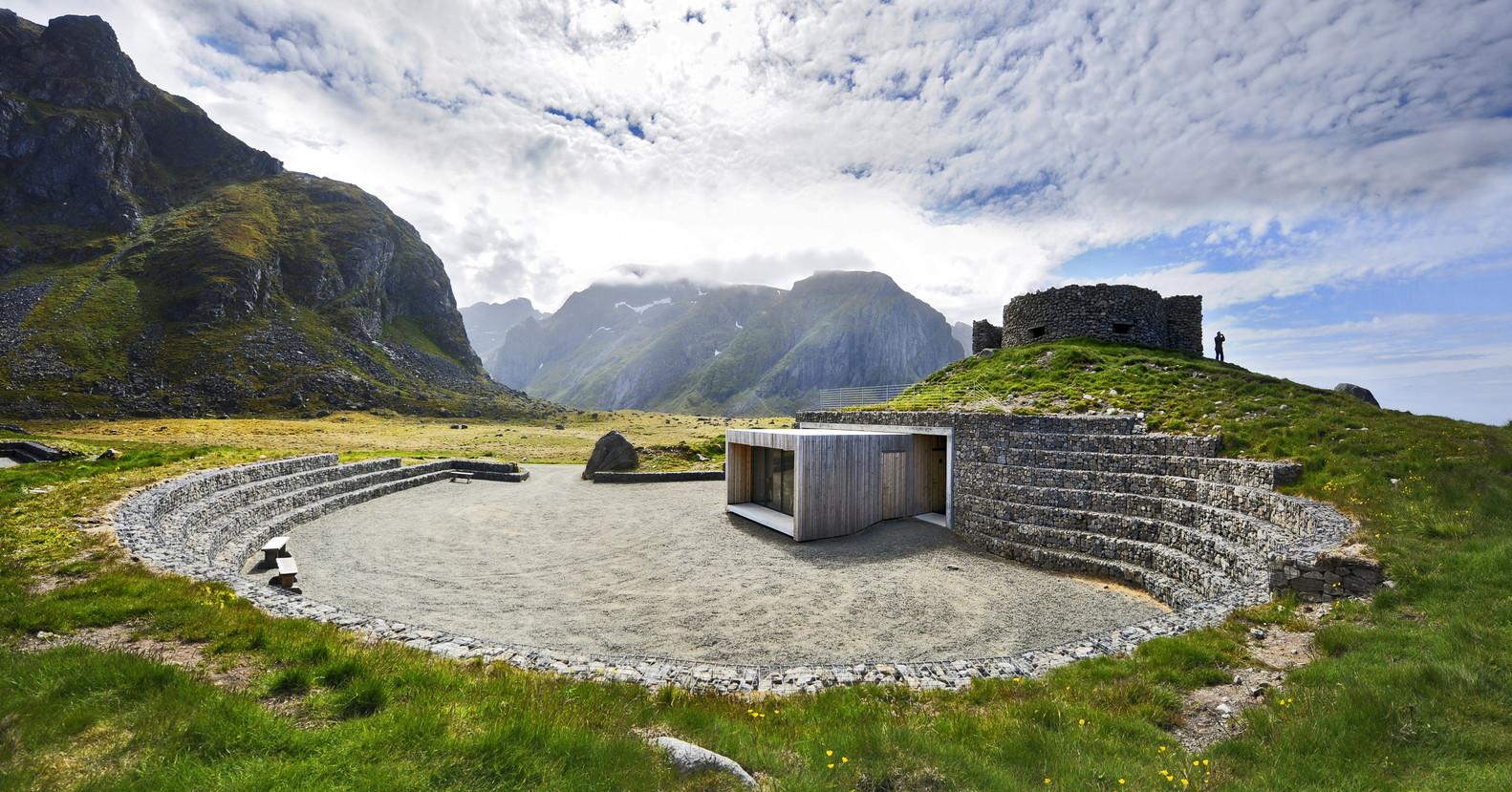 Arquitectura y Naturaleza: Un marco para la construcción en el paisaje,Ruta turística Eggum por Snohetta. Imagen © Jarle Wæhler