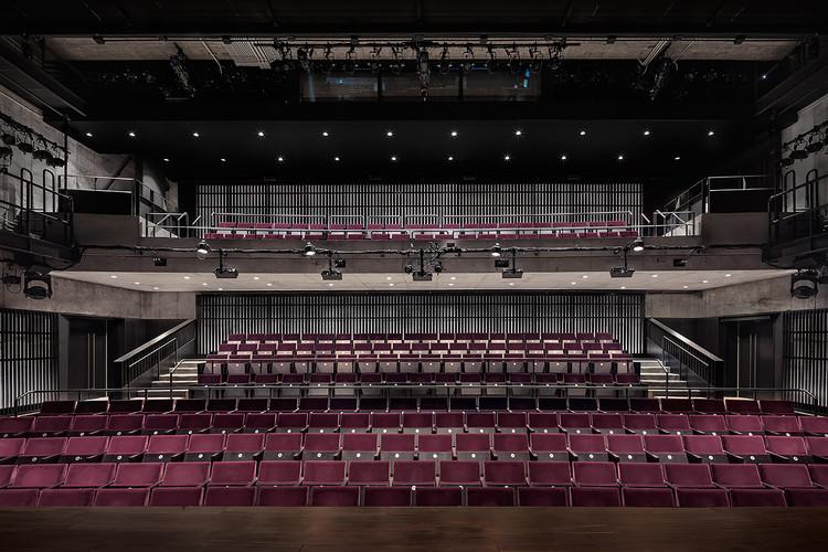 MCC Theater / Andrew Berman Architect, © Michael Moran