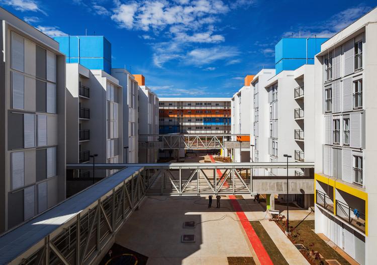 Seis bons exemplos de Habitação de Interesse Social no Brasil, SEHAB Heliópolis / Biselli Katchborian Arquitetos. Foto © Nelson Kon