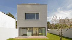 Casa 7 Bicas / Guillaume Jean Architect & Designer