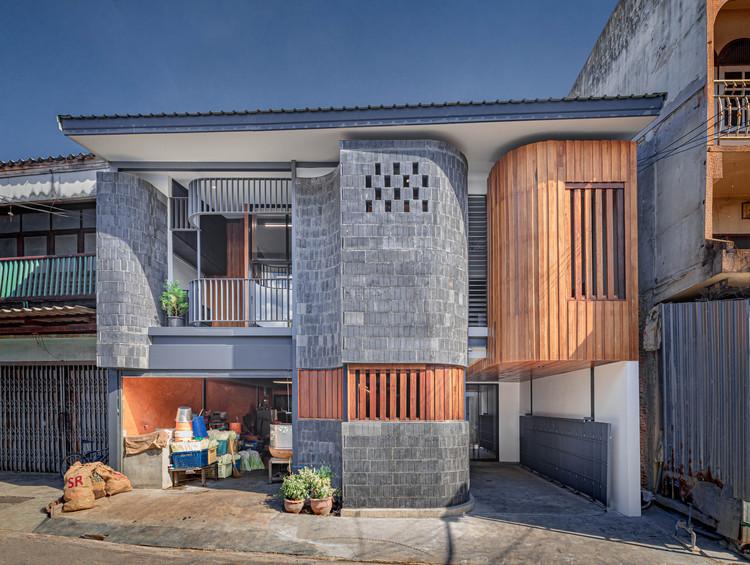 Casa Baan Priggang / BodinChapa Architects, © Witsawarut Kekina
